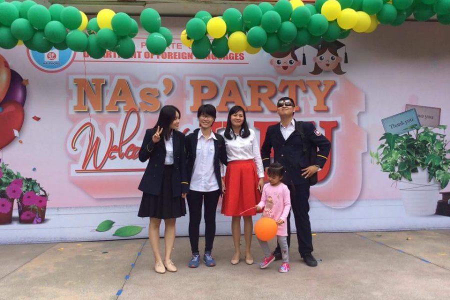 Giải lao chờ kết quả cùng cô Nguyễn Thị Huyền Trang